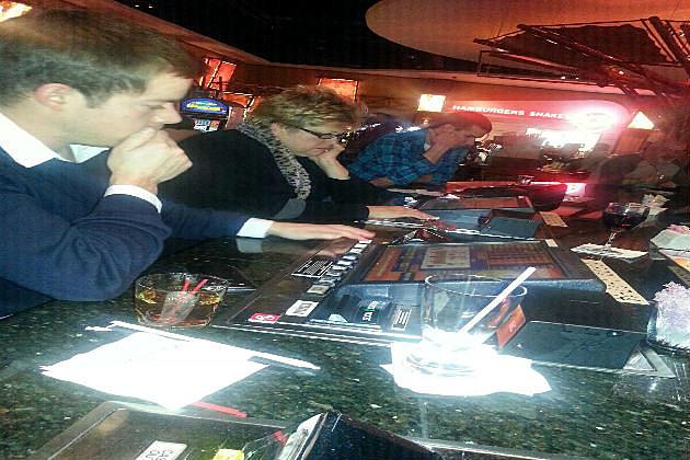 Bar built-in Blackjack machines