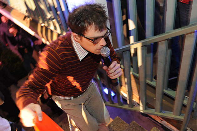 Rivers Cuomo of Weezer performing